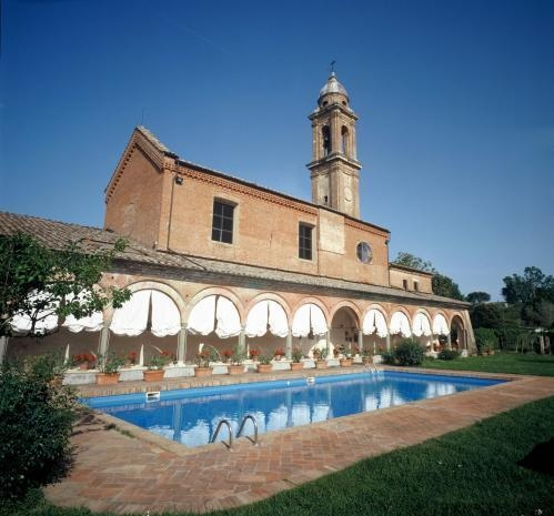 Wedding in a Stunning Old Monastery near Siena